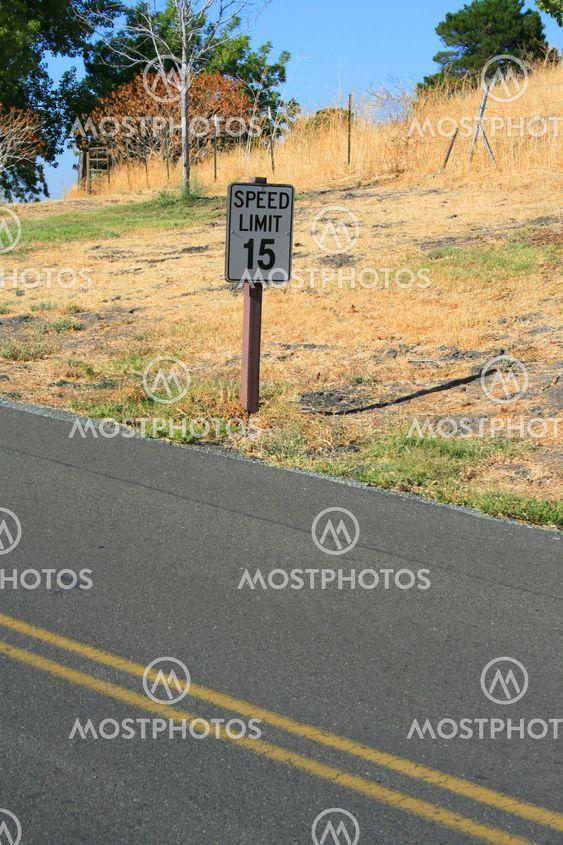 Hastighedsgrænsen Road Sign
