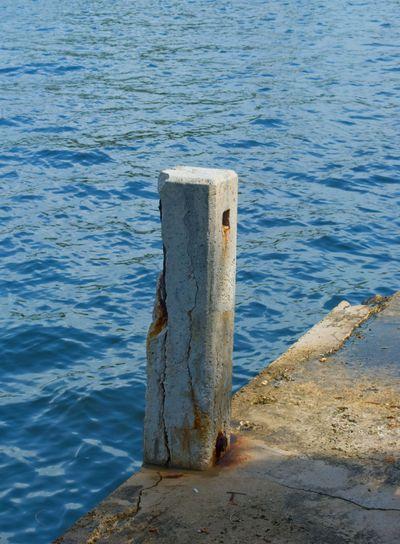 Single Old Docking post