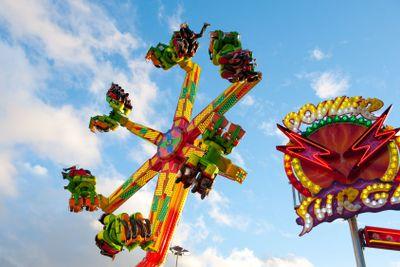Power surge amusement ride