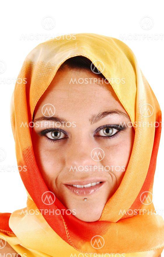 Vackra ansikte med halsduk.