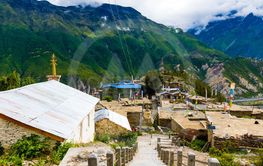 Traditional architecture in Ngawal village, Annapurna...