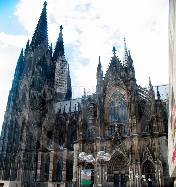 A street view of Cologne Cathedral.