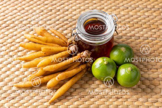 Fingerroot lime honey