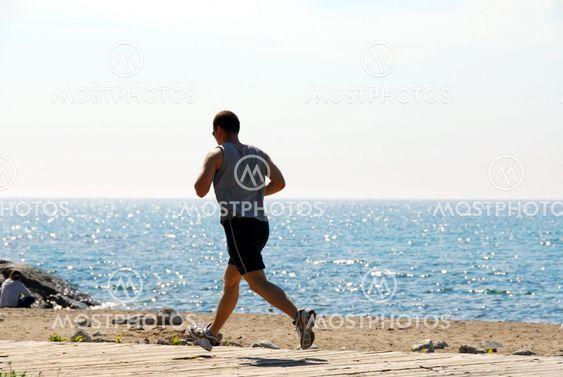 Mand jogging