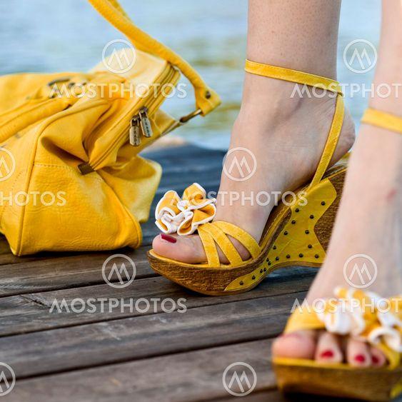 Sandaler på bryggan