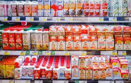 Hylla med mjölkprodukter