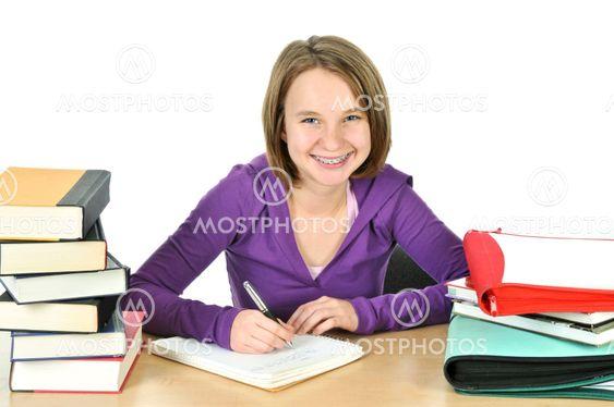 Tonårig flicka studera