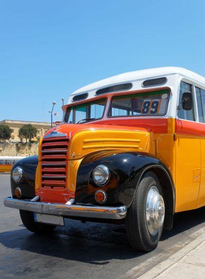 Old Maltese Bus (1952)